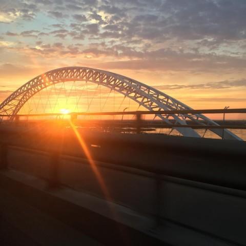 Новый борский мост на восходе солнца
